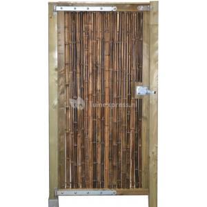 Bamboe Palen Gamma.Machinist Mobiele Graafmachine Bamboe Palen Gamma