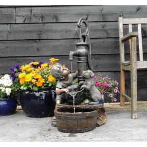 Regina waterornament dit rustiek vormgegeven waterornament is een verrijking voor iedere tuin. ...