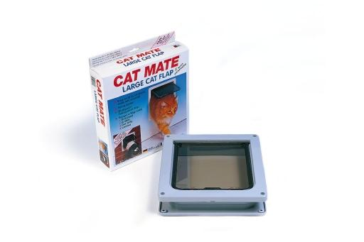 De cat mate kattendeur 221 is een kunststof kattenluik, waarmee je jouw kat de gelegenheid geeft om zelf naar ...