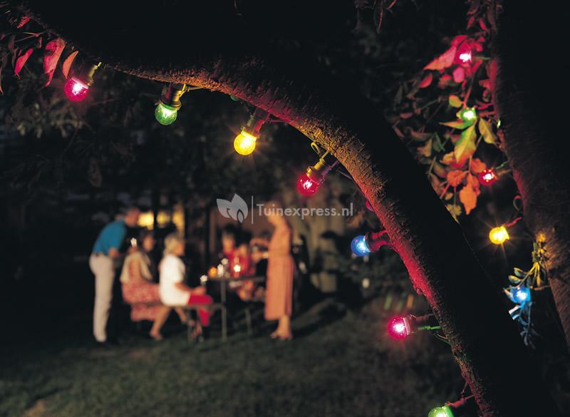 Party Verlichting Tuin : Konstsmide feestverlichting met gekleurde e lampen tuinexpress